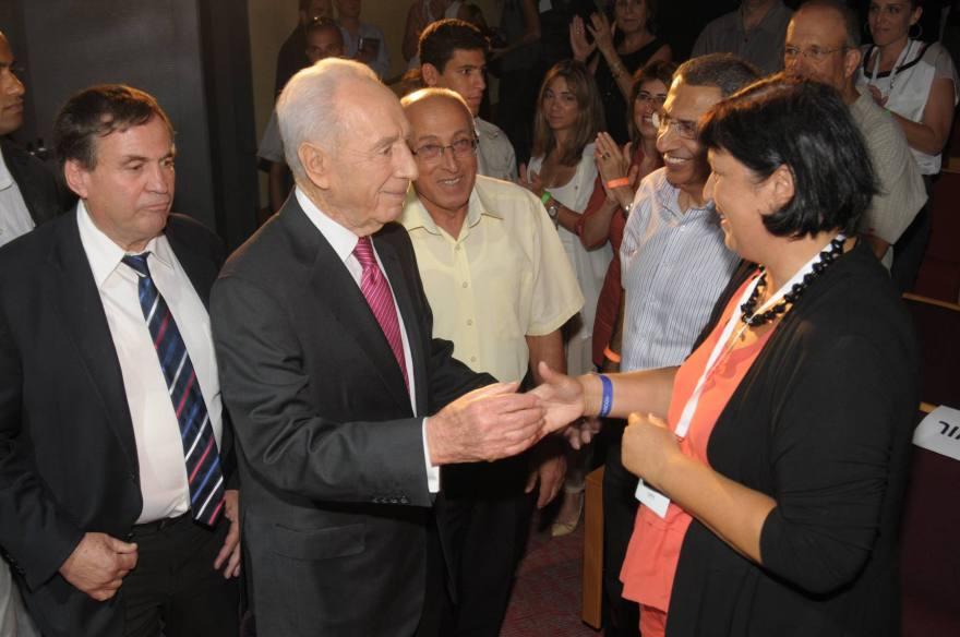 Hana Hertsman with Shimon Peres